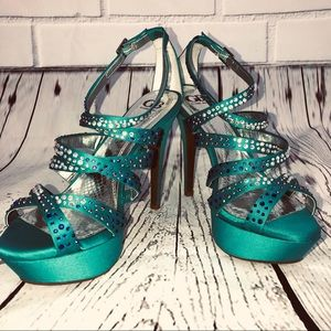 Gianni Bini platform Sandals Strappy sz 8.5 bling